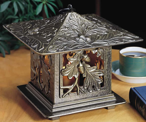 Oakleaf Tea Lantern